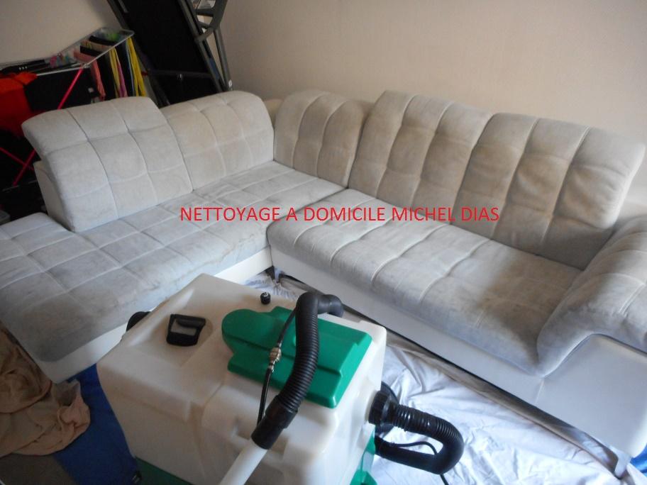 nettoyage canap tapis fauteuil chaise moquette domicile. Black Bedroom Furniture Sets. Home Design Ideas